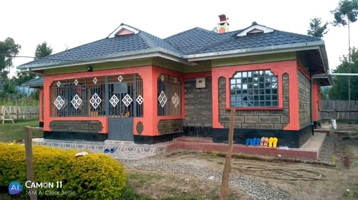 A beautifully built 3 bedrooms house